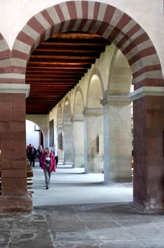 Reichenau romanische Bögen 2 in Mittelzell