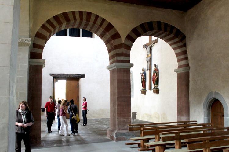 Reichenau Romanische Bögen in Mittelzell